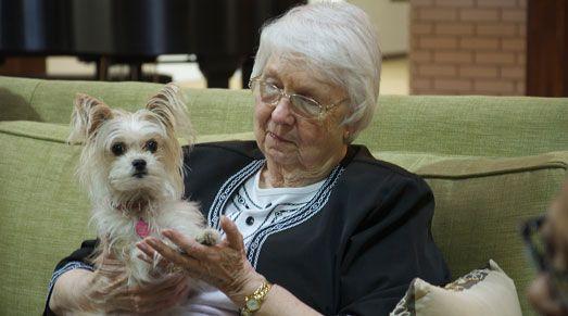55+ seniors living at affordable retirement apartments in Salina, KS